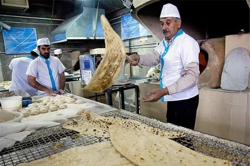 کرمی در گفت و گو با خبرنگاران: 90 درصد ماشین آلات نانوایی ها فرسوده است، آموزش، راهکاری برای ارتقای کیفیت نان