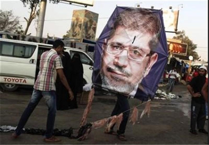 استانداری بنی سویف در محاصره هواداران مرسی، 12 عضو اخوان المسلمین دستگیر شدند