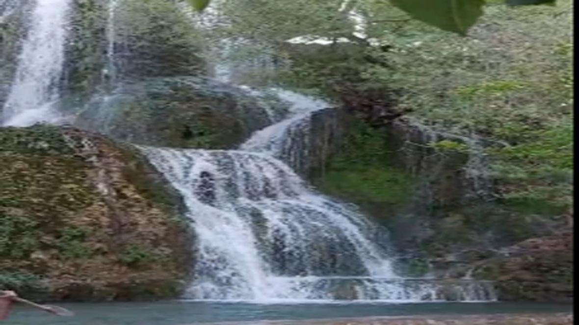 چشم اندازی از آبشار نیاسر