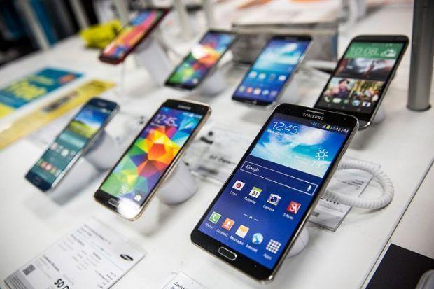 تخصیص ارز برای واردات موبایل های زیر 300 دلار تصویب نشد